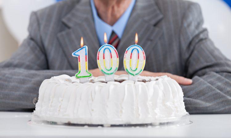 Gâteau d'anniversaire - 100 ans