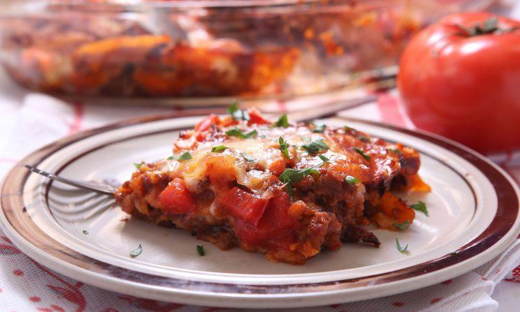 Plat de lasagne d'inspiration mexicaine